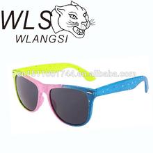 plastic wayfarer sunglasses paint with colorful dots,promotional sunglasses