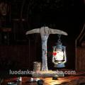 cosecha de madera caliente venta de decoración hechos a mano antiguo araña huracán lámpara de mesa con una potencia de salida