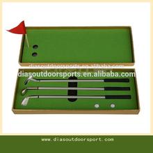 3 pieces Mini Golf Clubs Models Ball Pen Golf Balls Flag Gift Set