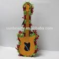 nuevo diseño de forma de guitarra pinatas venta al por mayor para fiestas