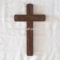 handmade real crucifixo de madeira na parede