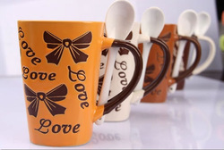Nutritional milk cup , creative couple of ceramic cup with a spoon