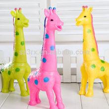 vinyle scream giraffe toys for venting