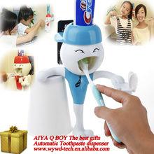 Q Auto Toothpaste dispenser novelty toys magic worms