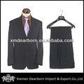 uniforme de oficina diseñado para adaptarse a los hombres