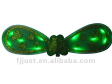 St.patrick day girls led wings