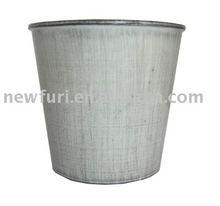 Artificial flower holder/flower pot