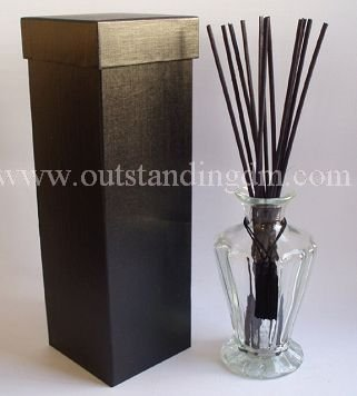 Blown glass reed diffuser