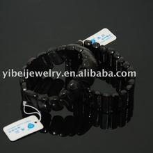 popolare di corallo nero tratto braceletss