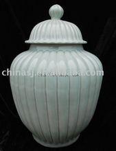 celadon ceramic jar with lid WRYMA03