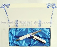 blue and white porcelain metal fountain pen