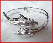 2012 fashion alloy & fishing shape bracelet