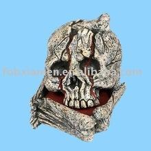 halloween resin skull & crossbones