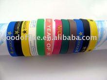 2012 Fashion promotional silicone wristbands