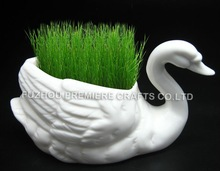 popular porcelain swan with seeds/table decoration grass