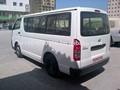 Toyota Hiace 15 plazas A / C de lujo Diesel M / T - 2014 YM golfo Spec