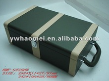 Deluxe leather red wine carrying case