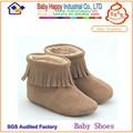 couro genuíno botas infantis para a criança a usar