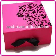 folding red box wedding dress