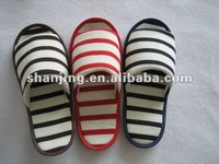 2013 fashion stripe knited fabric indoor slipper