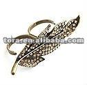 fashion two finger diamond leaf ring