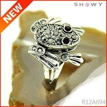 animal rings design, patterned frog for girls
