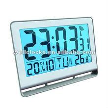 Radio controlled travel alarm clock