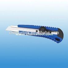 easy cut auto-retractable folding utility knife UK080