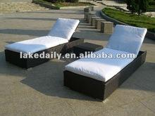 fashion PE Rattan outdoor sun loungers