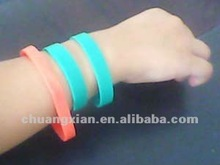 bracelets bangles , color natural rubber band, color synthetic band