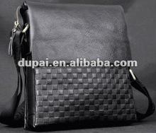 2012 handmade leather fashion knurling messenger bag