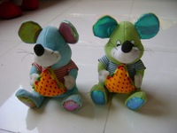 nice grey soft Stuffed plush mouse toy with strawberry for kids