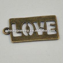 Bulk Fashion Jewelry China Alphabet Love Couple Pendant Zinc Alloy Jewelry Pendant