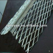 Stainless steel expanded metal corner bead