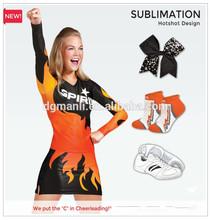 De encargo del equipo nombre y logotipo de la sublimación cheerleading vestido