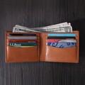 Hecho a mano de cuero genuino italiano cartera clásica bi- veces marrón de cuero titular de la tarjeta monedero con la insignia del cliente y proveedor