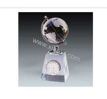 Fashionable crystal globe clock