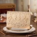 تصميم جديد الذهب 2014 الليزر قطع بطاقة دعوة الزفاف مع زهرة تنقش cw072