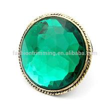 Fashion dearest emerald gemstone ring