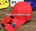 Rojo gorras de béisbol con ventilador accionado solar que