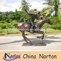 Équitation Bronze équestre Sculpture / Bronze polo lecteur Sculpture NTBH-H004