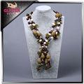 Turquesa tibetano, esmeralda, zafiro con gotas de la perla shell collar