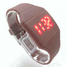 2014 New arrival Fashion silicone LED watches for kids students