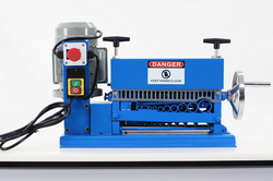 XS-038M wire cutting and stripping machine / scrap cable recycling machine