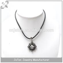 Меч лучший друг кристалл ожерелье с кожаной отделкой