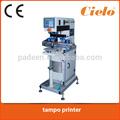 impressora da almofada manual de impressão em componentes elétricos