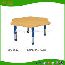 flexable height natural wooden circle preschool desk for kids