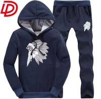 Supply Customized training sport wear for men from China factory , italian sportswear manufacturers logo