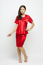 The latest style Home Furnishing summer wear red silk pajamas,, (seven point sleeve + seven minutes of pants), thin, embroid
