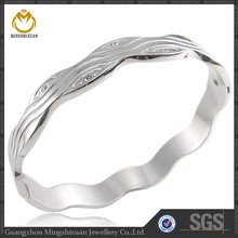 Wholesale bangle trendy desing stainless steel indian traditional gift items